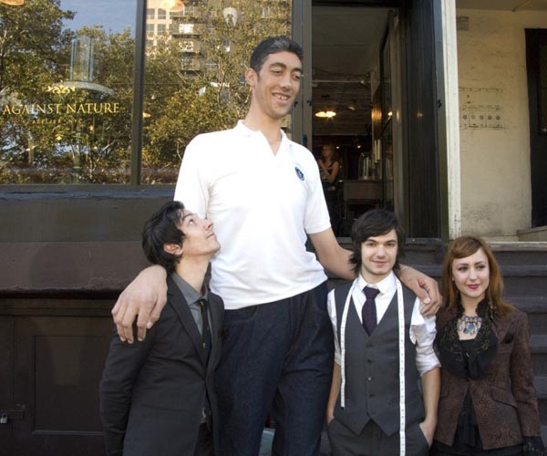 Scientists Develop Treatment to Stop World's Tallest Man from Growing